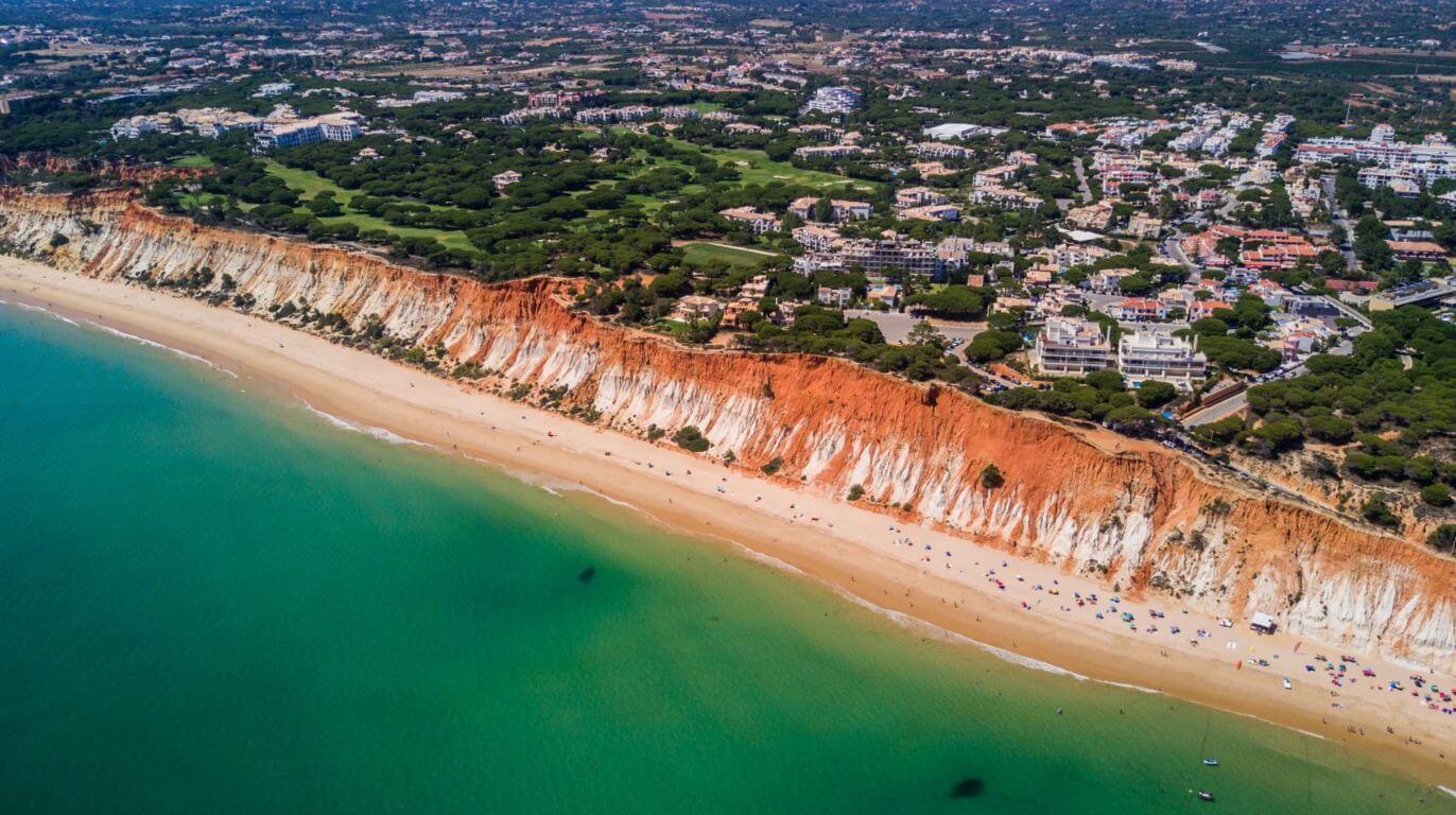 Falesia, 7 km long beach inbetween Olhos Àgua and Vilamoura