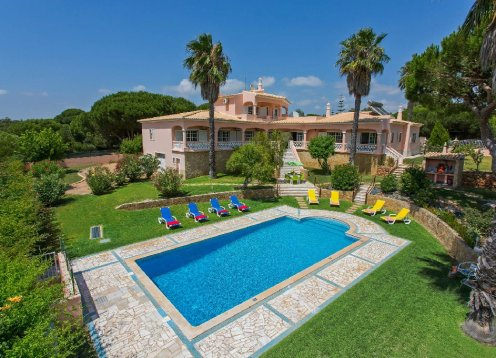 V4 - VILA MARISOL, Luxury Vila with 4 bdrs, garden. pool and bbq